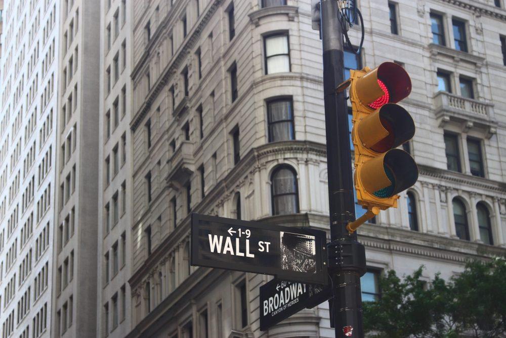 Wallstreet Crossroad
